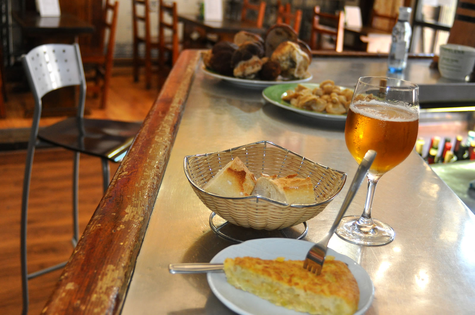 Restaurante Casa Garrido: Barra y tapas del Restaurante Casa Garrido (Soria)